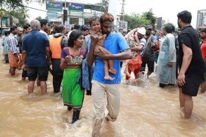 ინდოეთში საუკუნის ყველაზე ძლიერ წყალდიდობას ასობით ადამიანი ემსხვერპლა