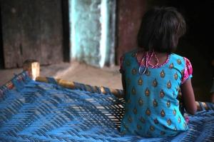 ინდოეთში გაუპატიურების მსხვერპლმა 10 წლის გოგონამ ბავშვი გააჩინა
