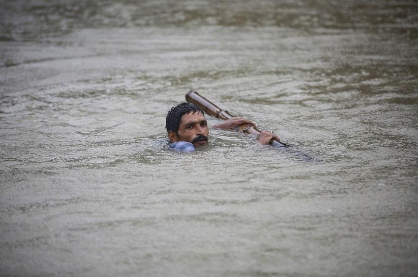 სამხრეთ აზიაში წყალდიდობებს 1200 ადამიანი ემსხვერპლა