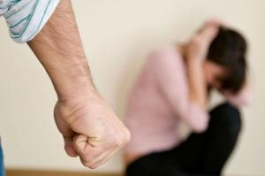 საგარეჯოში ცოლის ცემისთვის ბრალდებულს 1 წლით და 9 თვით პატიმრობა მიესაჯა