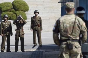 ჩრდილო კორეელი სამხედროს სამხრეთ კორეაში გაქცევა ვიდეოკამერებმა გადაიღეს