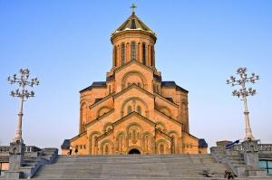 საქართველოში ახალგაზრდები უფრო რელიგიურები არიან, ვიდრე მოხუცები - The Guardian