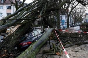 """ევროპაში ქარიშხალი """"ფრედერიკი"""" მძვინვარებს"""