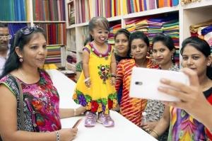 პლანეტის ყველაზე დაბალი ქალი ინდოეთში ცხოვრობს