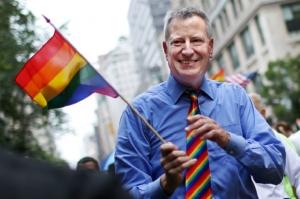 ახალი კანონით ნიუ იორკელებს შეუძლიათ პირად დოკუმენტებში მესამე სქესი ჩაწერონ