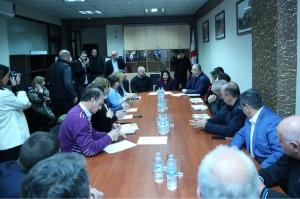 სალომე ზურაბიშვილი თბილისში საარჩევნო შტაბის თანამშრომლებს შეხვდა