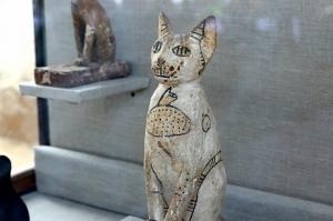 უძველეს ეგვიპტურ სამარხში კატისა და ხოჭოს მუმიები აღმოაჩინეს