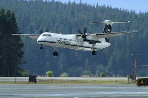 აშშ-ში აეროპორტის თანამშრომლის მიერ გატაცებული თვითმფრინავი ჩამოვარდა