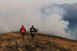 ხულოში, შავნაბადას მთაზე ცეცხლი 3 ჰექტარზეა გავრცელებული