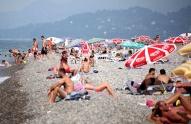 ბათუმის პლაჟზე უფასო საშხაპეები და გასახდელები დამონტაჟდება
